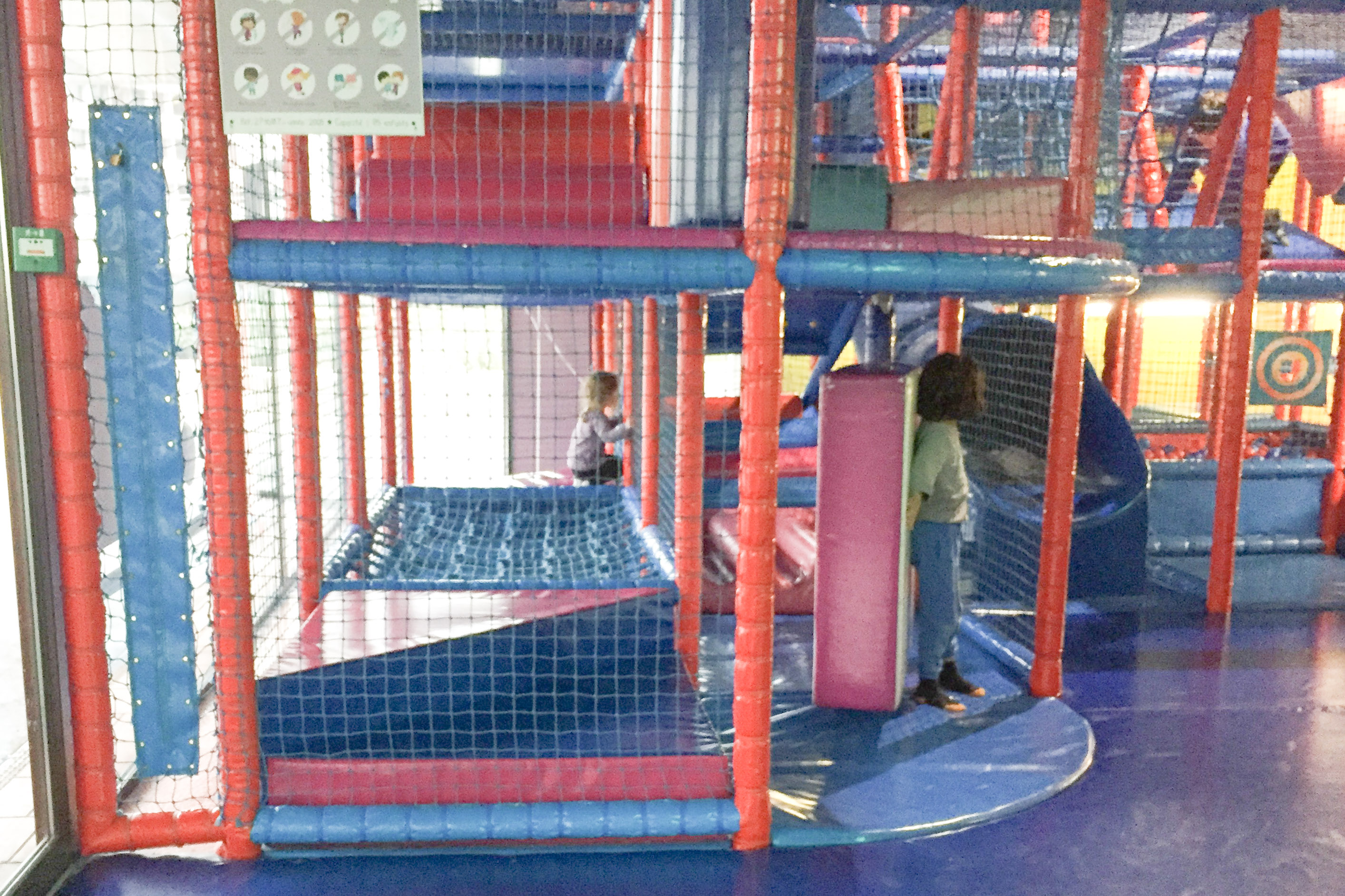 toulouse-cafe-resto-restorant-enfant-kid-parent-famille-maman-papa-bebe-zeplegraounde-the-jeux-boots-and-pepper-structure